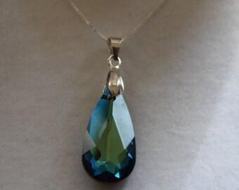 TEARDROP PENDANT Swarovski Crystal element bermuda blue mounted on 45 cm silver chain