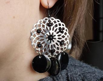 Earrings rhinestone black and grey rosette (drilled)