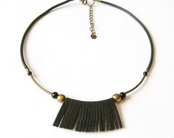 Necklace short fringed black and bronze agate and brass