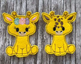 Giraffe Finger Puppets - Flower Crown, Bows, Pretend Play, Quiet Play, Party Favour, Felt toy, machine embroidered