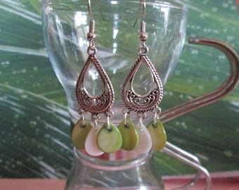 earrings with green and white drop Pearl sequins water