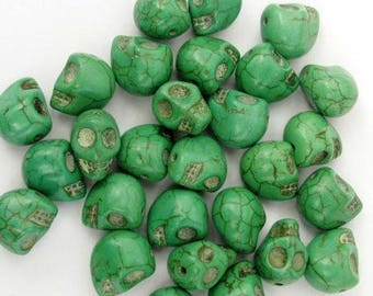 Green skull shaped howlite bead