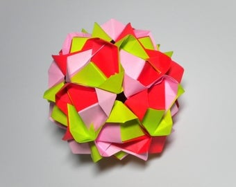Little Crowns Kusudama Modular Origami Ball Green Pink Red Decoration Ornament