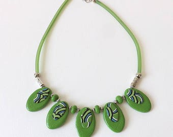 Handmade green necklace elegant and original pattern