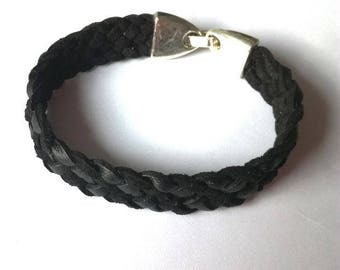 Bracelet black effect material braided Suede, metal clasp