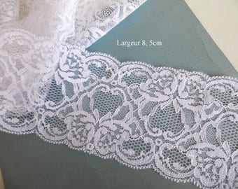 """Antique lace from Calais white satin pattern """"butterflies"""" 1 meter"""