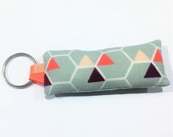 Fabric key fob graphic gray triangle / coral