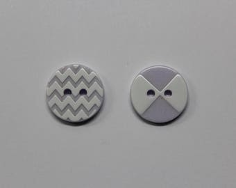 embossed 15 mm purple/white patterned buttons