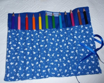 bag made with colored pencils to roll for children