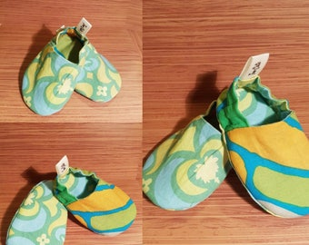 Handmade to order reversible 100% Celtic cotton baby crib and pre walker shoe.