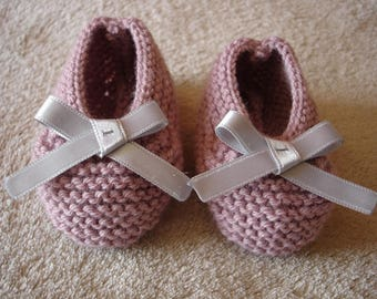Baby booties 3/6 months shoes wool pink and gray satin bow.