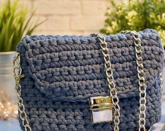 "Сумка ""кроссбоди"" из трикотажной пряжи. Handbag made of knitted yarn"