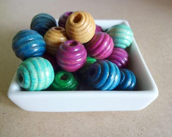 Set of 22 textured multicolored round wooden beads
