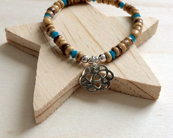 Bracelet has Arabesque necklace in 925 sterling silver beads
