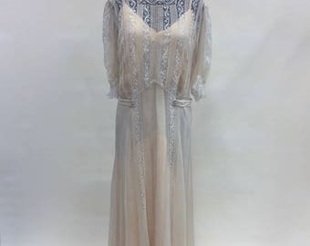 1930s Elegant Creme Chiffon and Lace  Evening Gown