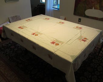 Mid-century 1950s Cotton table cloth and 4 matching napkins Asian Chinese lantern pattern