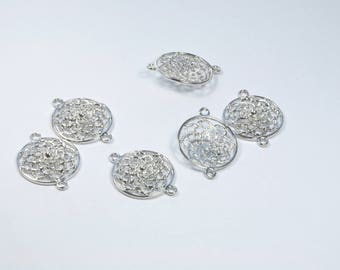 Set of 6 round metal between two charms