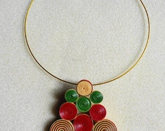 Geometric Choker in quilling red green and gold