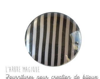 2 cabochons with stick black and white stripes of glass 14 mm M318