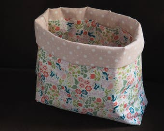 basket in multi fabric pockets
