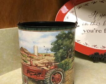 Farmhouse Bucket Decor