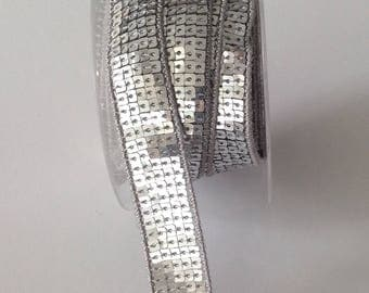 Lace has silver square sequins in 5 rows - 2cm