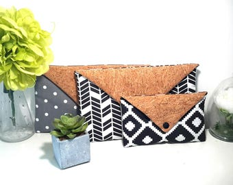 Small pocket for cell phone / Aztec fabric flap / Cork