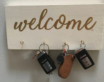 Key holder welcome sign