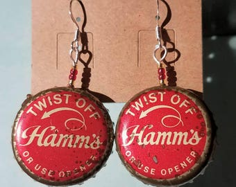 Vintage Hamm's beer bottlecap earrings!