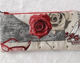 "Flat clutch in fabric ""little starlet"" red rose, Interior in beige laminated cotton waterproof"