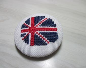 Embroidered button no. 10