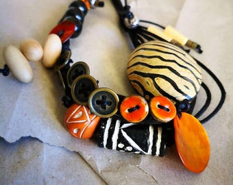 Safari Style button Necklace