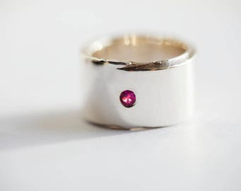 Silver and Ruby ring 'Raw style'.