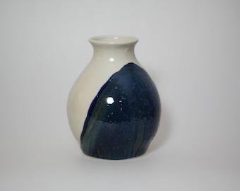 Porcelain stoneware vase