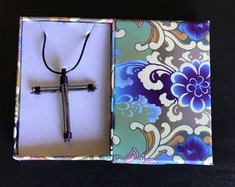Purple wire wrapped finish nail cross