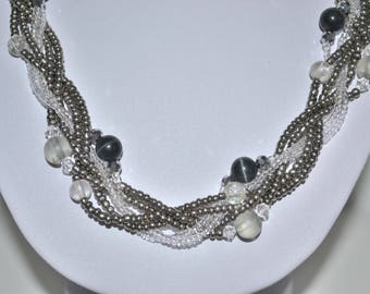 Necklace silver and transparent