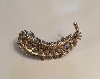 Beautiful vintage feather brooch with rhinestones