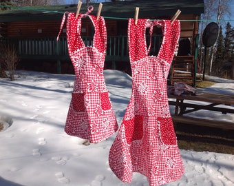 Christmas Aprons for Mother and Daughter
