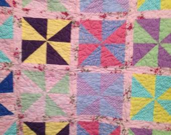 whimsical pinwheel babyquilt