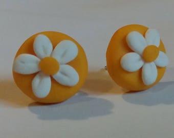 Fimo earrings, lobe earrings, stud earrings, flower lobe earrings, daisy earrings, button earrings, Fimo jewelry