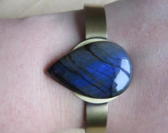 Strap drop of Labradorite