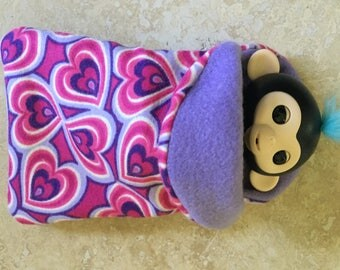 Fingerlings Finger Monkey pink and Purple Heart sleeping bag Valentines Accessory