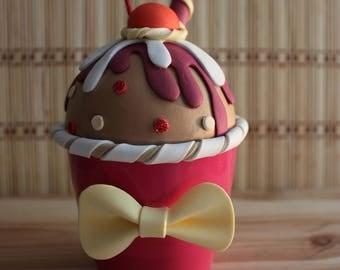Chocolate and cherry Cupcake box