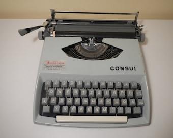 Consul Typewriter// WORKING typewriter// vintage 1960s typewriter, Czechoslovakia grey typewriter, Portable German Typewriter light blue
