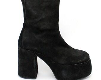 EU 37 - Black suede Gothic platform boots womens size 4 / US 6.5 - 1990s vintage shoes for women - 90s black goth shoes block heel