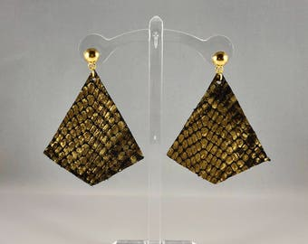 Genuine leather kite cut earring with gold stud