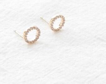 twinkle circle earring