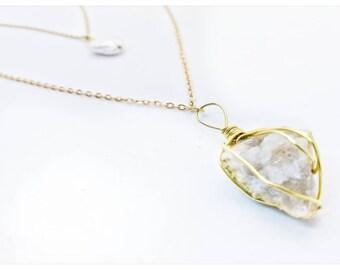 Classy stones necklace
