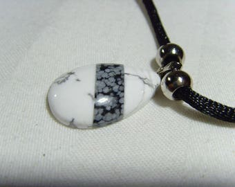 Howlite and snowflake Obsidian necklace Natural termination crystal reiki healer chakra lapidary
