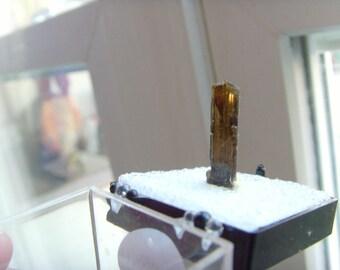 5.60 carat Epidote Crystal Specimen Natural termination crystal reiki healer chakra lapidary